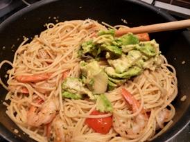 spaghete-cu-creveti-si-avocado-01