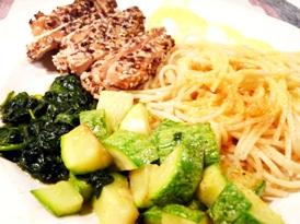 somon-in-crusta-de-seminte-cu-paste-legume-si-sos-cu-turmeric-02