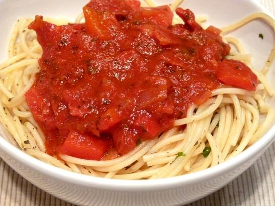 spaghete cu sos de rosii si chorizo