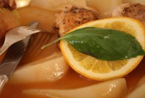 curcan cu pere si sos de portocale