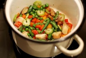 morcov, tulpina de telina, ardei rosu, mazare, fasole verde, ciuperci