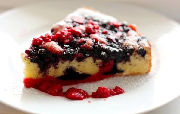 prajitura cu fructe de padure
