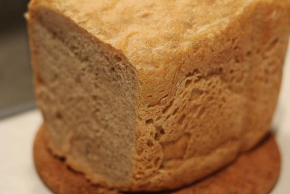 paine de casa cu faina integrala si seminte
