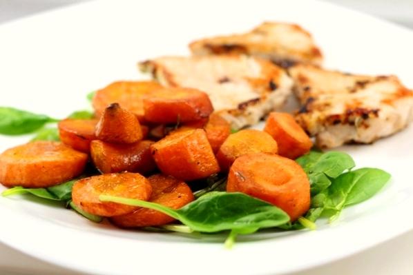piept de curcan cu morcovi glazurati