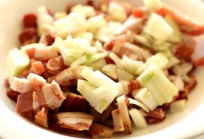 sunculita afumata, bacon, carnati afumati, ceapa